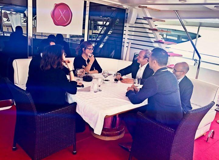 Fin d'un power lunch au Marché TV du  #MIPCOM avec l'équipe choc de Marc Dorcel sur leur yacht à Cannes. On prépare leur tournée promo au Québec début…